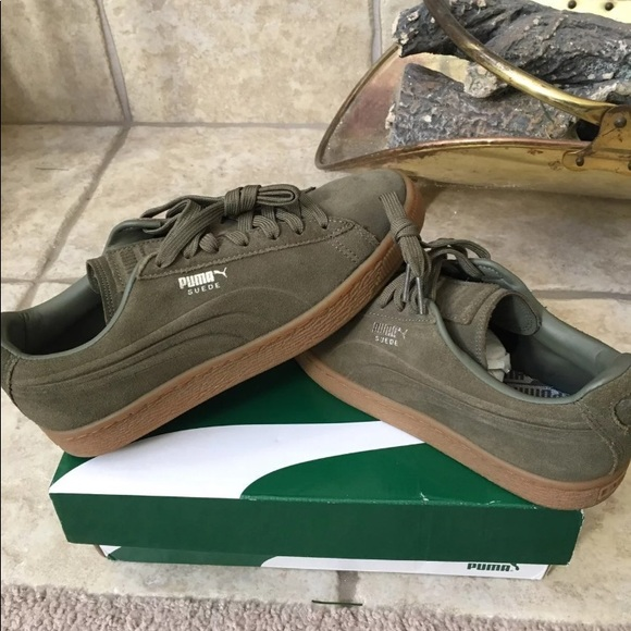 outlet store sale facf9 6f3dc Olive Green Puma Suede Emboss